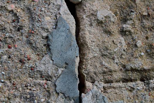 Mejor momento para arreglar grietas en las paredes de tu edificio CLEVER SOLUTIONS